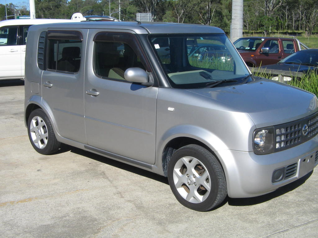 img_3302_1-nissan-cube-silver-4
