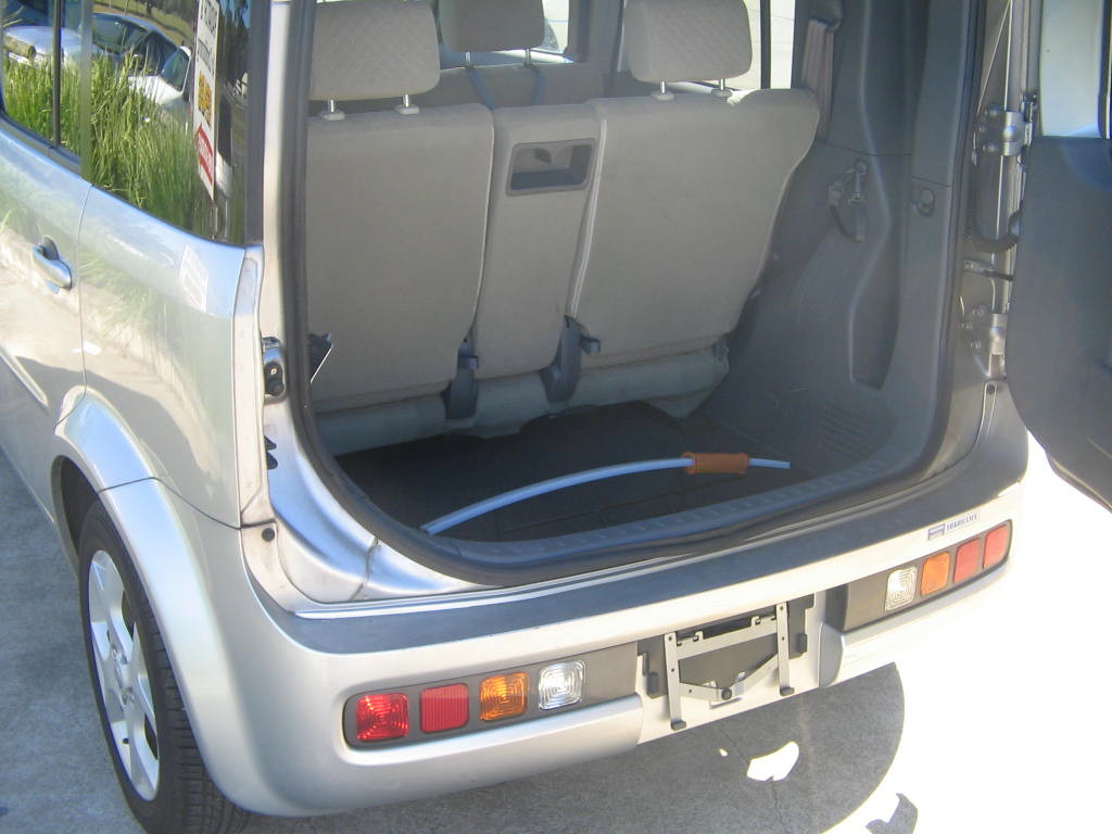 img_3305_1-nissan-cube-silver-back-6